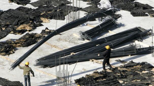 钢铁减产 铁矿石价格暴跌