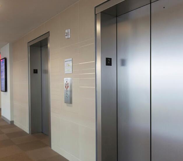 不锈钢主要用于电梯轿厢装饰及扶手等