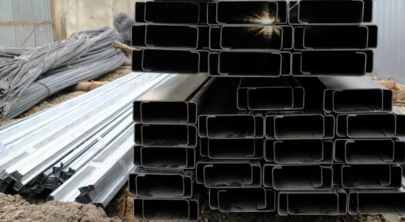 奥林匹克钢铁-不创造股东价值