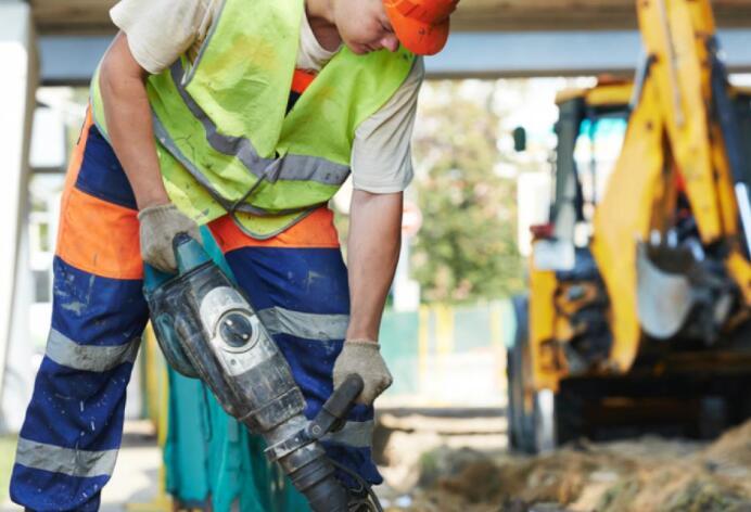 三项基础设施法案条款可重振国内制造业